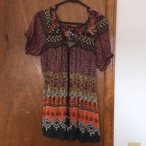 Floral thin Guess top!